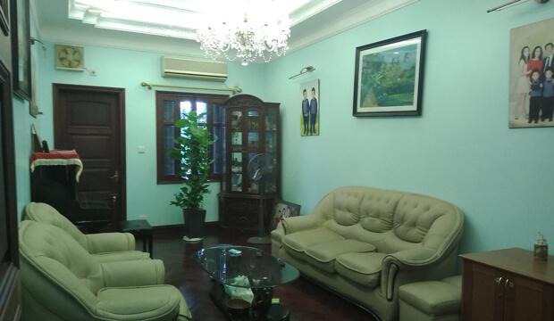 Bán nhà mặt phố Xuân Thủy, kinh doanh sầm uất, diện tích 127m2 5t, mặt tiền 4.7m, giá 28.5 tỷ